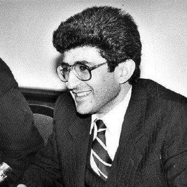 Globnews.am -> Այսօր ԼՂՀ Գերագույն խորհրդի առաջին նախագահ Արթուր Մկրտչյանը  կդառնար 60 տարեկան
